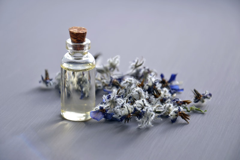 huile-essentielle-contre-le-stress-aromathérapie